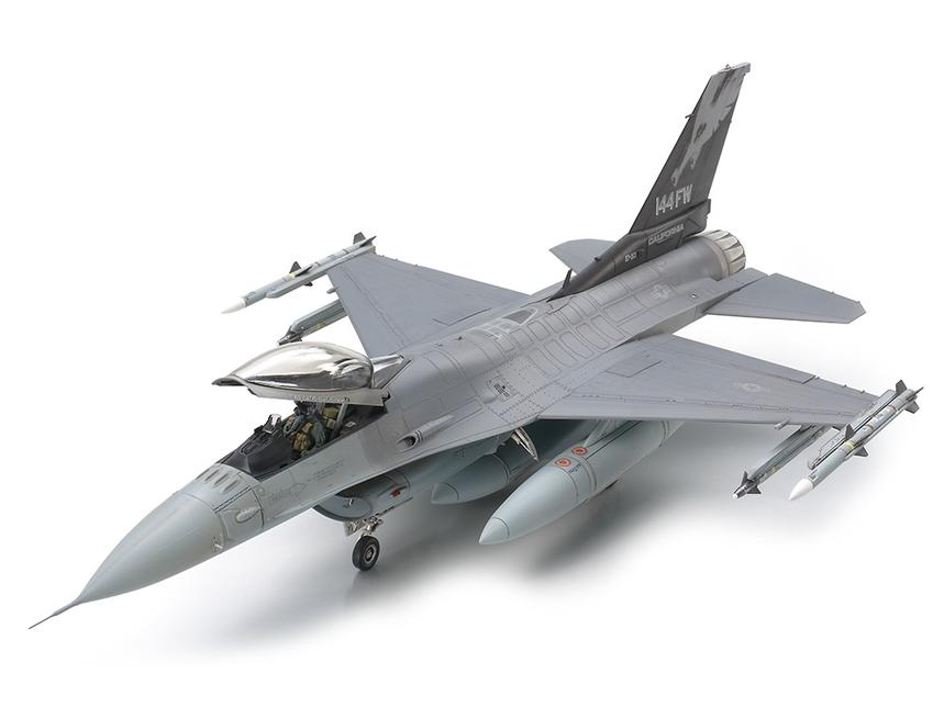 descuentos y mas Tamiya Lockheed Lockheed Lockheed Martin F16C Fighting Falcon Ang 1 48 61101  descuento de ventas